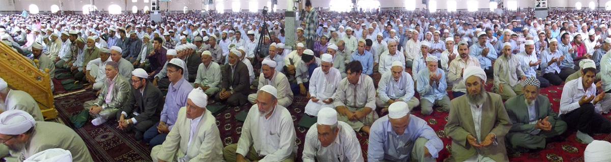 شکوه حضور نمازگزاران روزه دار - رمضان المبارک سال 1393
